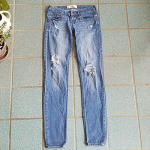 Hollister Ripped Low Rise Skinny Jeans 26 Long